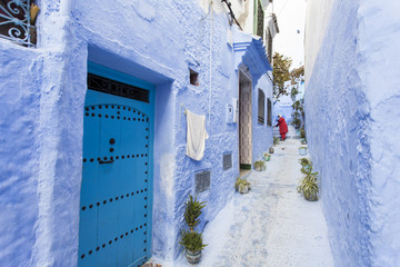 CHEFCHAOUEN, MOROCCO, NOVEMBER 20: cleaning street of the Blue c