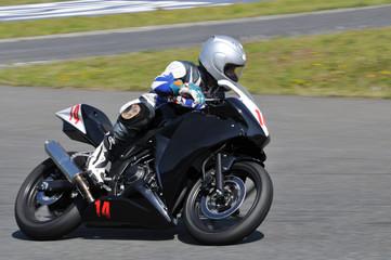 Fototapete - バイクのレース