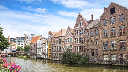 Fototapete - Historic buildings along the Leie river. Ghent
