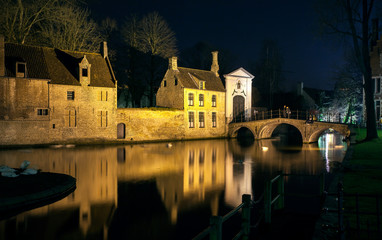 Fototapete - Bruge at Night