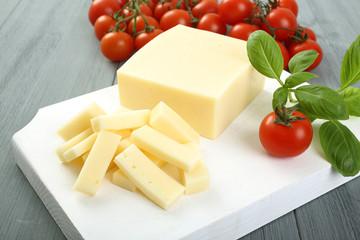 formaggio e pomodori