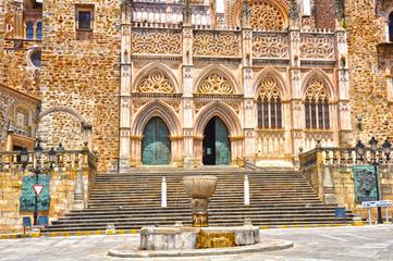 Monasterio de Guadalupe, arte gótico-mudéjar, Cáceres