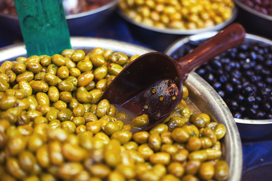 bowl with olives on the market