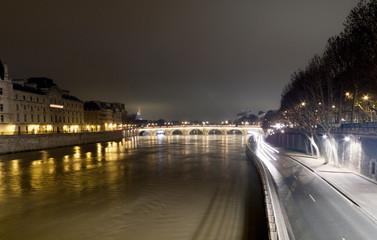 Arch bridge across a river, Pont Neuf, Seine River, Paris, Franc