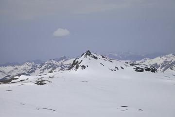 Landschaft im Winter in den Alpen