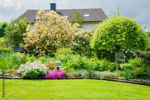 Schöner Garten Im Sonnenlicht