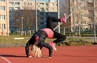 Breakdance girl on the street
