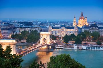 Keuken foto achterwand Boedapest Chain Bridge, St. Stephen's Basilica in Budapest
