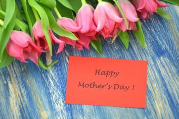 życzenia na dzień matki i piękne czerwone tulipany