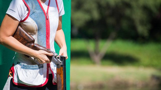 skeet clay shooter reloading shotgun shell