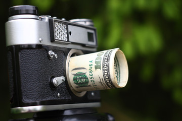 Dollars lens