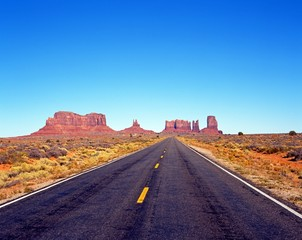 Highway 163, Monument Valley, USA © Arena Photo UK