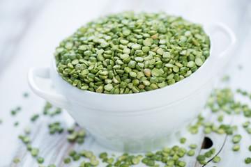 Food ingredients: split dried green peas