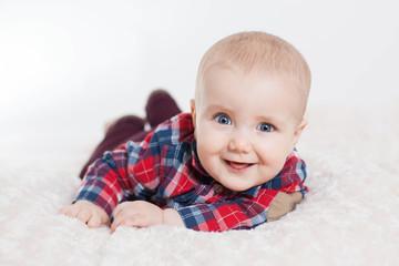 Uśmiechniety chłopiec