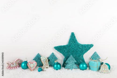 holz hintergrund weihnachtliche dekoration in t rkis stockfotos und lizenzfreie bilder auf. Black Bedroom Furniture Sets. Home Design Ideas
