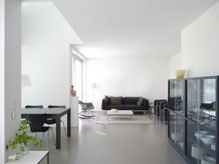 Modernes Wohnzimmer ohne Bilder