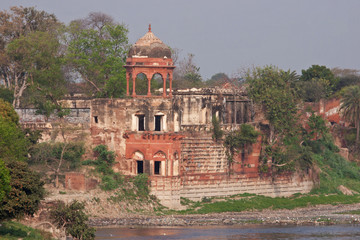 Palatial ruins on the banks of the Yamuna river, Agra