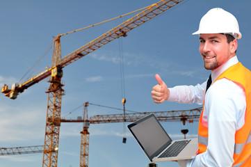 Bauleiter auf Baustelle