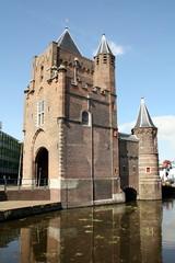 Fototapete - City gate The Amsterdamse Poort in Haarlem