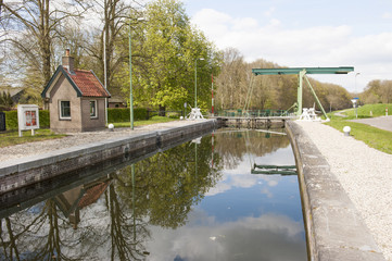 Lock chamber of sluice and drawbridge