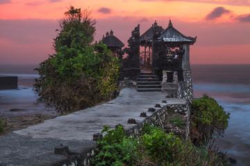 Fotobehang Indonesië Pura Tanah Lot temple by the sea