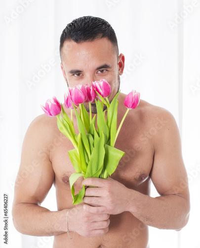Голый мужик с цветами фото