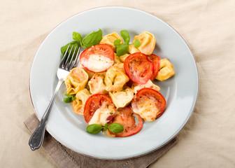 tomato mozzarella noodle gratin