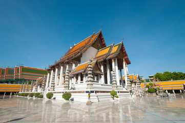 Sutat temple