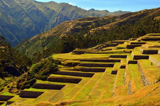 Andenes agrícolas en Chinchero. Perú