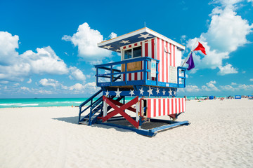 Wall Mural - Lifeguard hut in South Beach, Miami