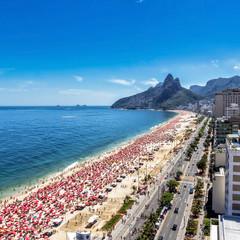 Hot day on Ipanema Beach in Rio de Janeiro