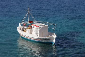 Fischerboot in der Ägäis