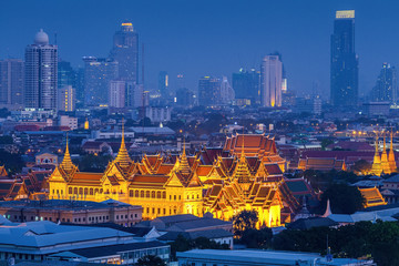 Poster Bangkok Grand palace at twilight in Bangkok, Thailand