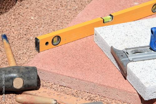 terrassenplatten verlegen stockfotos und lizenzfreie bilder auf bild 66014831. Black Bedroom Furniture Sets. Home Design Ideas