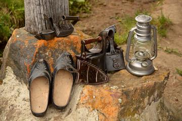 herramientas y utensilios rusticos antiguos