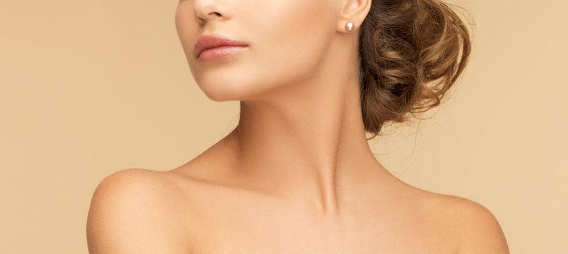 beautiful woman with pearl earrings