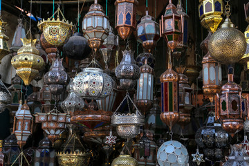 étal de lampes décoratives berbères (marrakech) 1