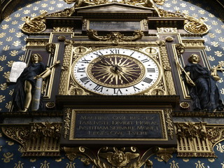 Torre del reloj de la Conciergerie en París