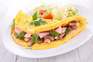 omelet with mushroom and ham