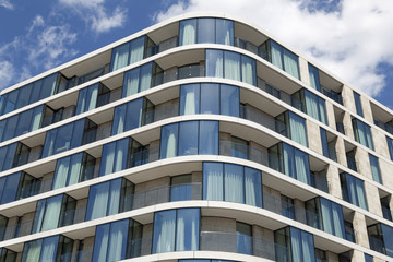 Fassade eines modernen Wohngebäudes