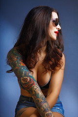 lovely woman with tattoo.,.