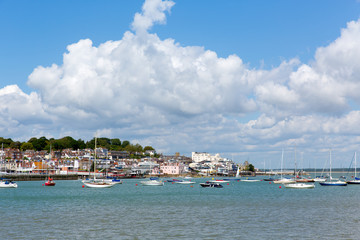 Fototapete - Cowes harbour Isle of Wight blue sky