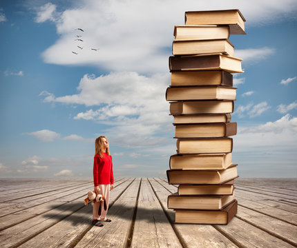 The little girl and books