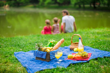 Fotorollo Picknick Family picnicking