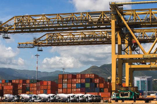 Piattaforma logistica portuale