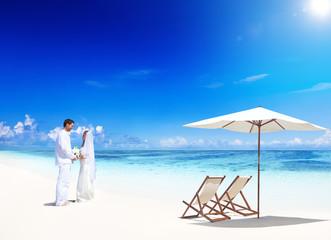 A couple wedding on the beach