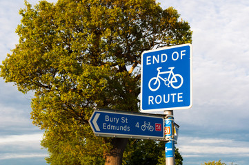 End of cycle route and direction for Bury St Edmunds