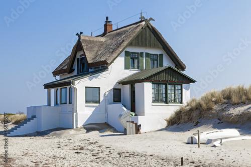 ferienhaus am strand der ostsee in heiligenhafen schleswig holst stockfotos und lizenzfreie. Black Bedroom Furniture Sets. Home Design Ideas