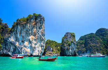 Foto op Canvas Blauwe hemel beautiful ocean landscape in Thailand
