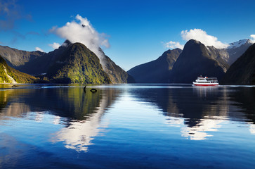 Fototapete - Milford Sound, New Zealand